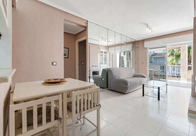 Apartment in Torrevieja - Fucsia LT