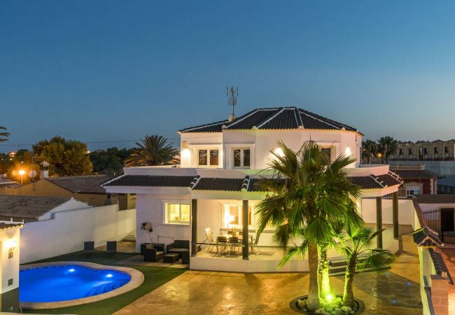 Villa in Orihuela Costa - Volcan